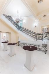 """Foyer sali balowej """"Ludwikowska"""" w hotelu Polonia Palace w Warszawie"""
